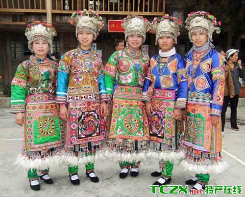 平塘苗族服饰