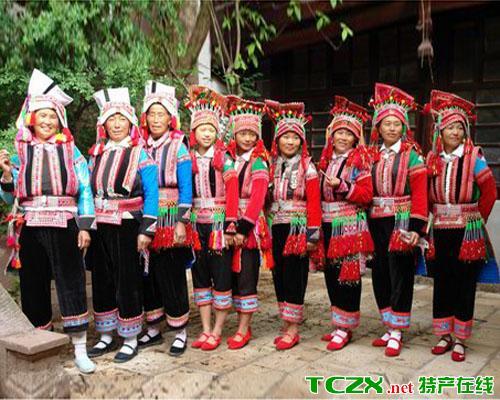 花腰彝族服饰