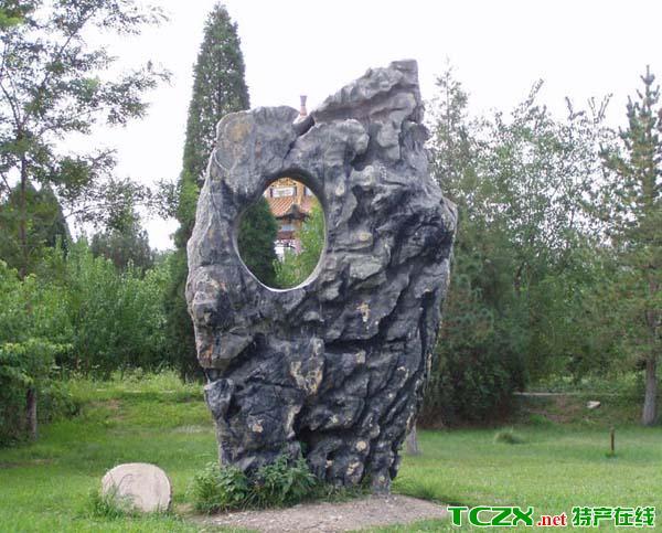 乌海奇石介绍     内蒙古乌海市地处黄河上游中段,西接贺兰山和乌兰布