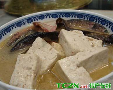 泥鳅拱豆腐