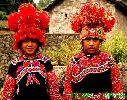 罗平彝族服饰