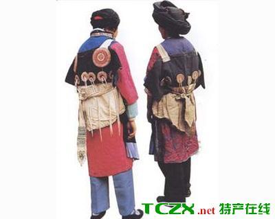 三坝纳西族服饰