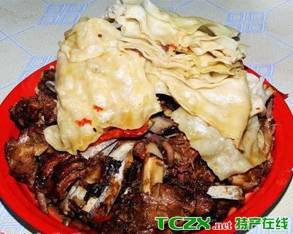 巴里坤羊肉焖饼